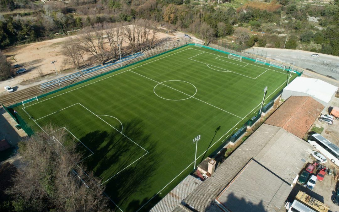 U Gospinu polju novi nogometni teren s umjetnom travom